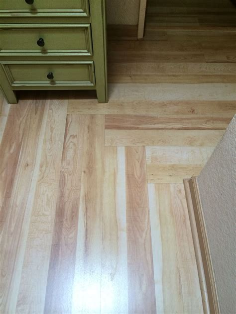 Laminate flooring in Hallway changing direction (With