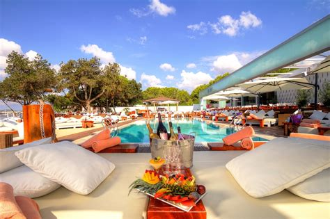 The 5 Beach Clubs of Ibiza where you will want to live