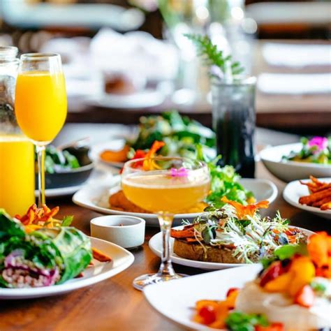 9 Best Sonoma Brunch Spots for Bottomless Mimosas