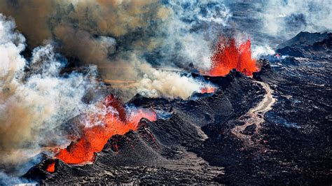 A molten puddle deep under Iceland may reveal where