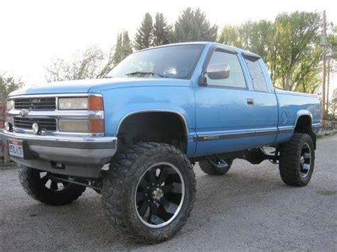 """Find used 1994 Chevy truck, shortbox, 8"""" lift, solid axle"""