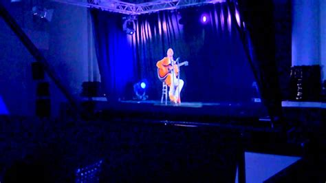 World's First Ever 3D Hologram Live Performance in Real