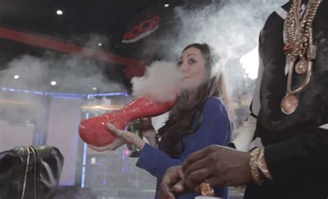 2chainz Smokes World's Largest Pipe And Most Expensive