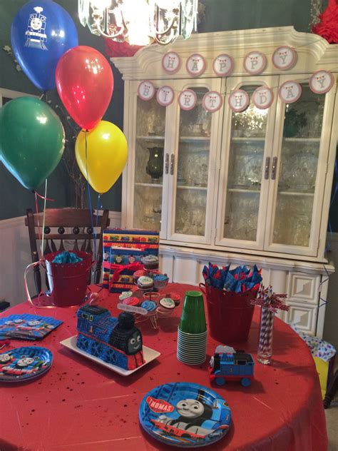 Greyson's Thomas the Train 2nd Birthday Party - Project