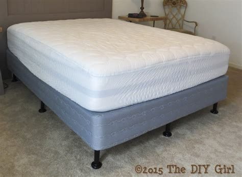 Bed legs alternative to bed frame - The DIY Girl