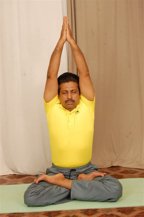 Body and Soul: PARVATASANA (MOUNTAIN POSE) AND ITS BENEFITS