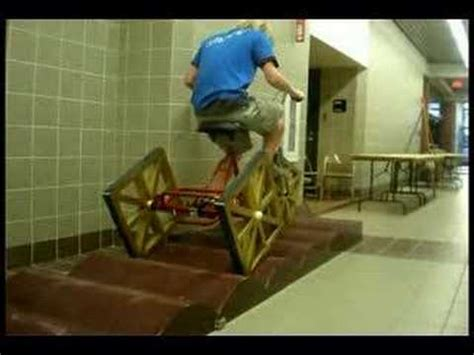 Square-Wheeled Tricycle - YouTube