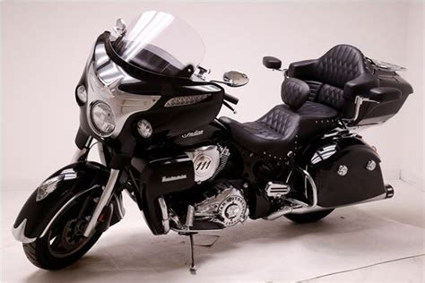 PAD ARMRESTS INDIAN ROADMASTER by MUSTANG