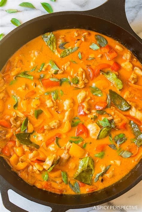 The Best Thai Panang Chicken Curry (Video) - A Spicy