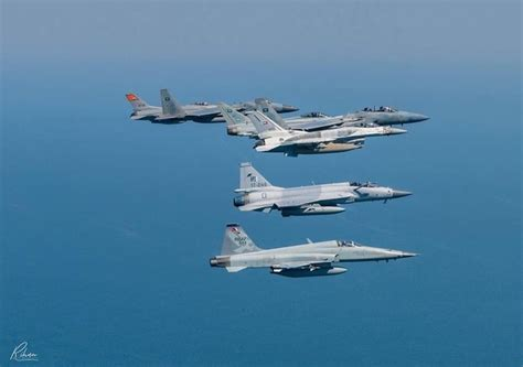 Which of the JF-17 Block 3 and the FA-50 provides the